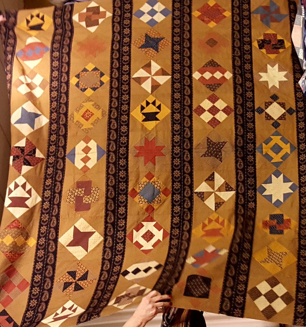 vertical strip quilt jo morton fabrics.jpg