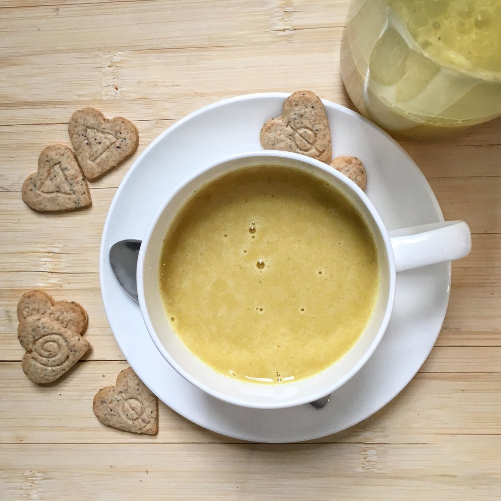 Golden Milk (Turmeric Latte)