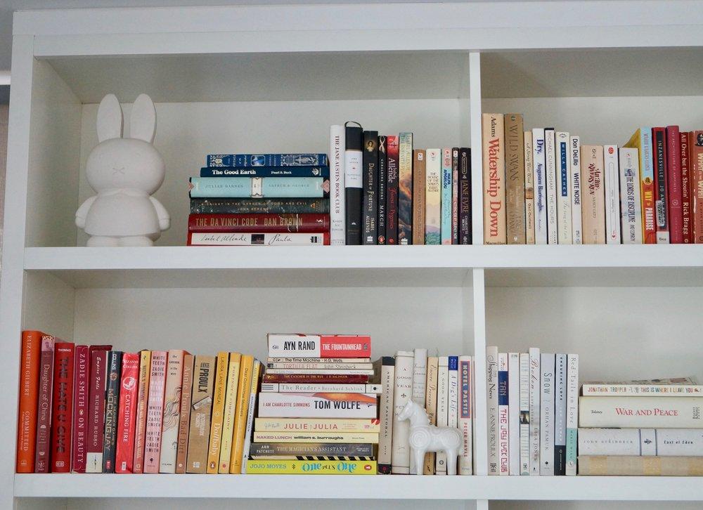 nijntje bookshelf.jpg