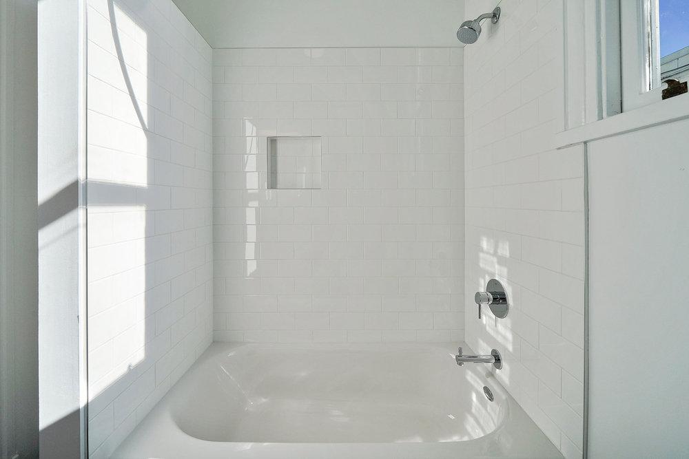 1911 1:2 bathroom tub.jpg