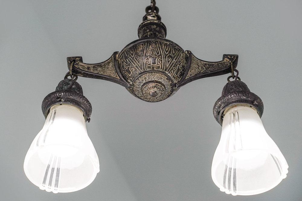 1911 1:2 entry light.jpg