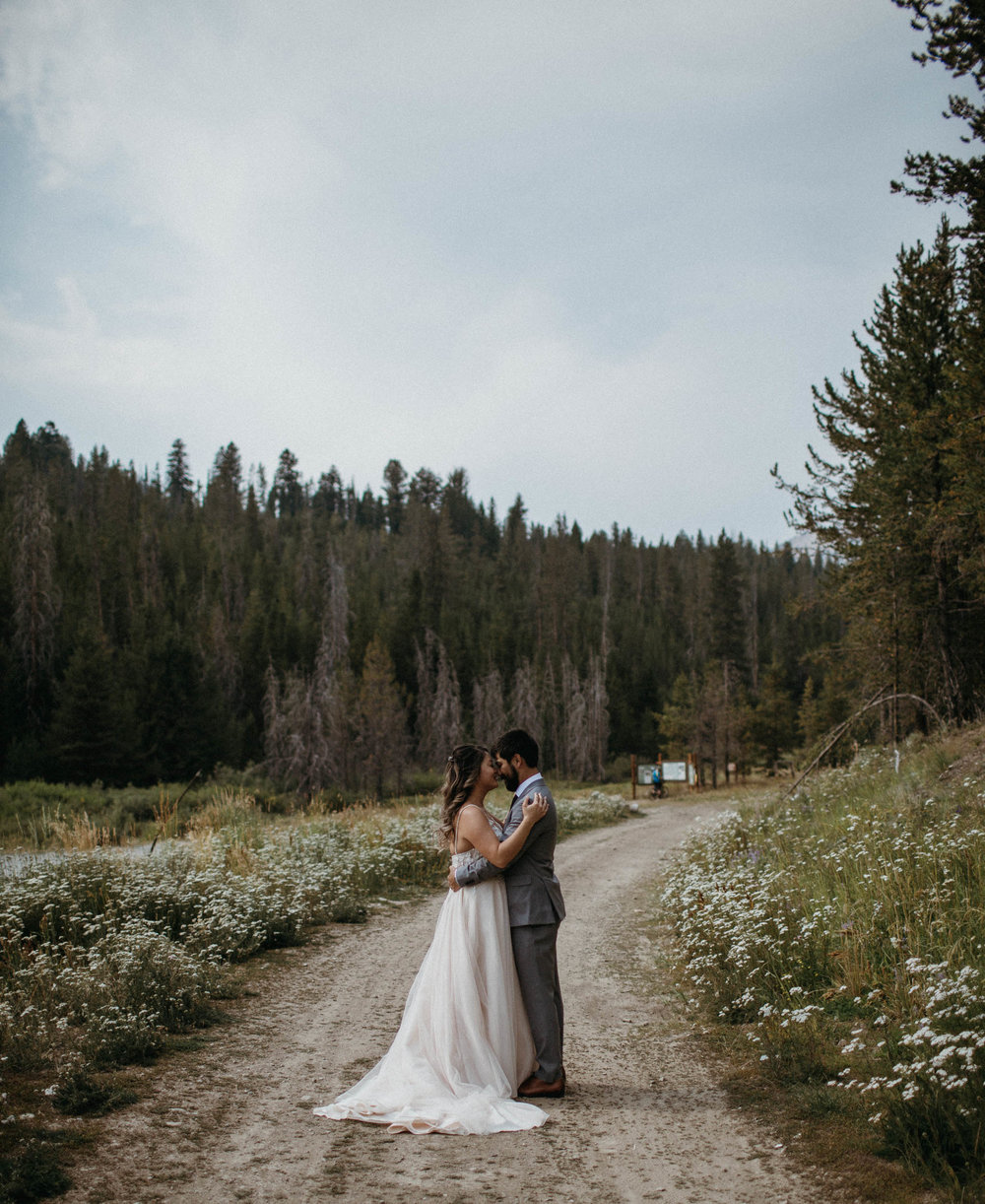 M_L_galena_Lodge_Wedding-23.jpg