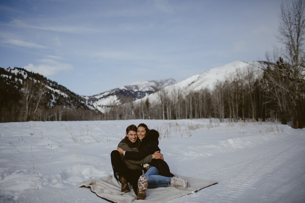 t_C_Sun_valley_engagement-30.jpg