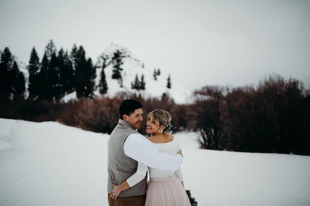 H_J_SunValley_winter_wedding-9.jpg