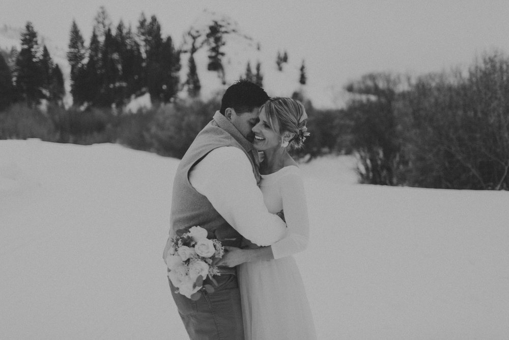 H_J_SunValley_winter_wedding-11.jpg