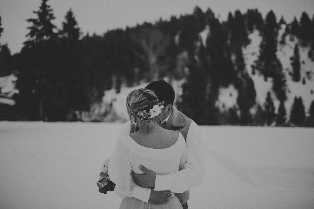 H_J_SunValley_winter_wedding-14.jpg