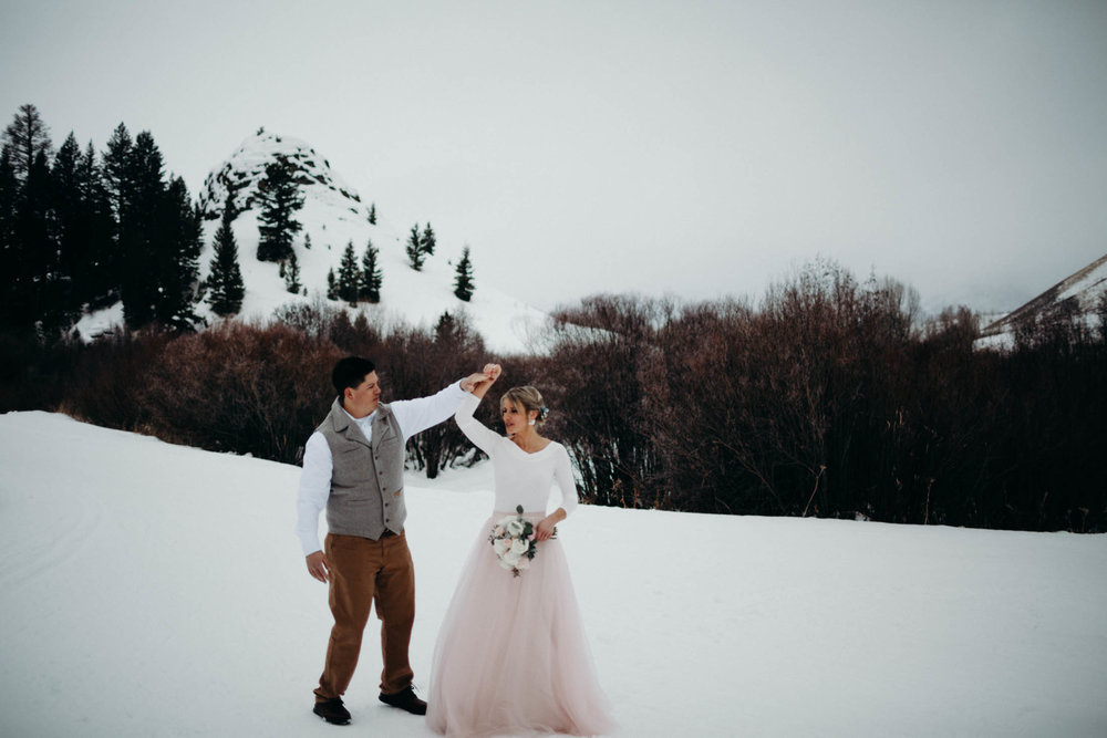 H_J_SunValley_winter_wedding-15.jpg