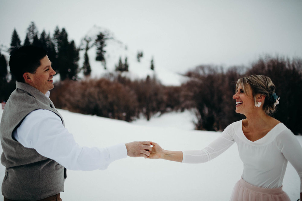 H_J_SunValley_winter_wedding-19.jpg
