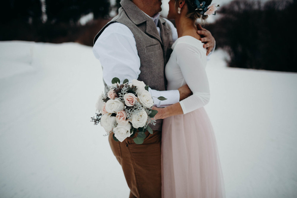 H_J_SunValley_winter_wedding-20.jpg