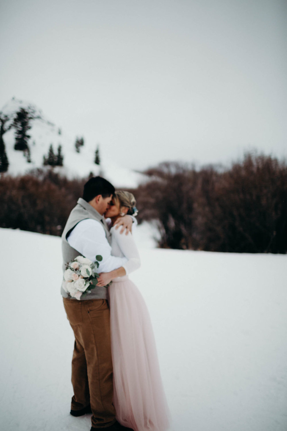 H_J_SunValley_winter_wedding-21.jpg