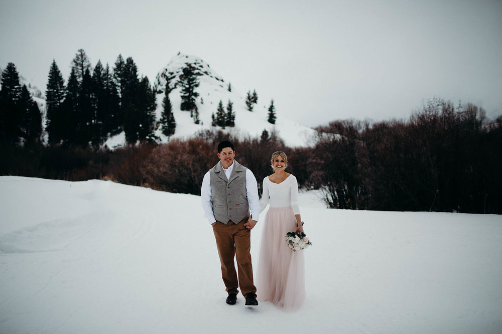 H_J_SunValley_winter_wedding-23.jpg