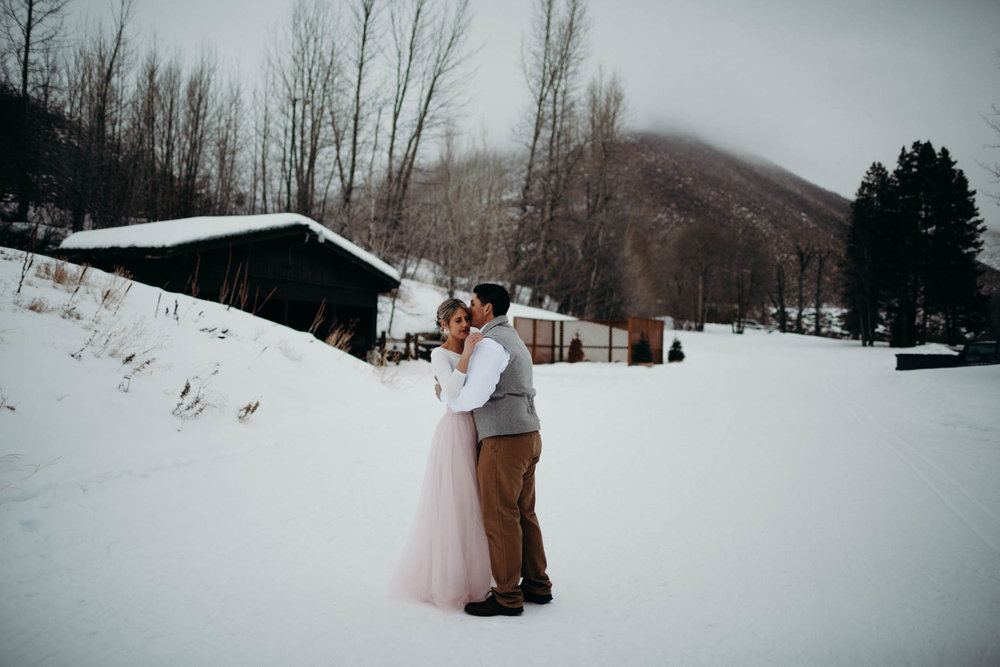 H_J_SunValley_winter_wedding-29.jpg