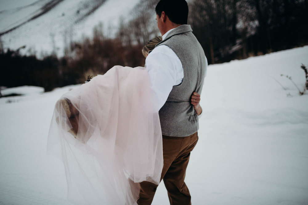 H_J_SunValley_winter_wedding-30.jpg