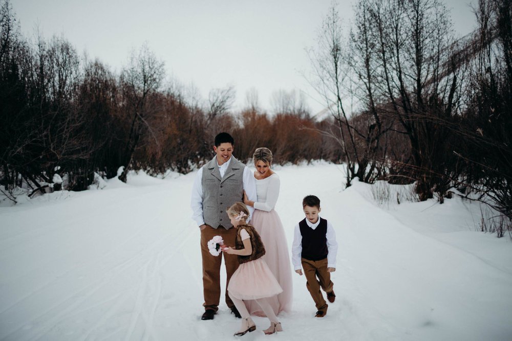 H_J_SunValley_winter_wedding-34.jpg