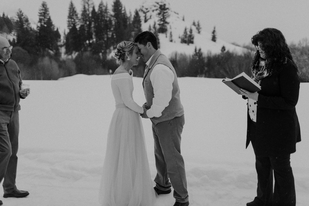 H_J_SunValley_winter_wedding-55.jpg