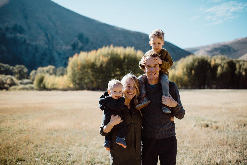 walkerfamily-Sunvalleyfallfamilyphotos-2.jpg