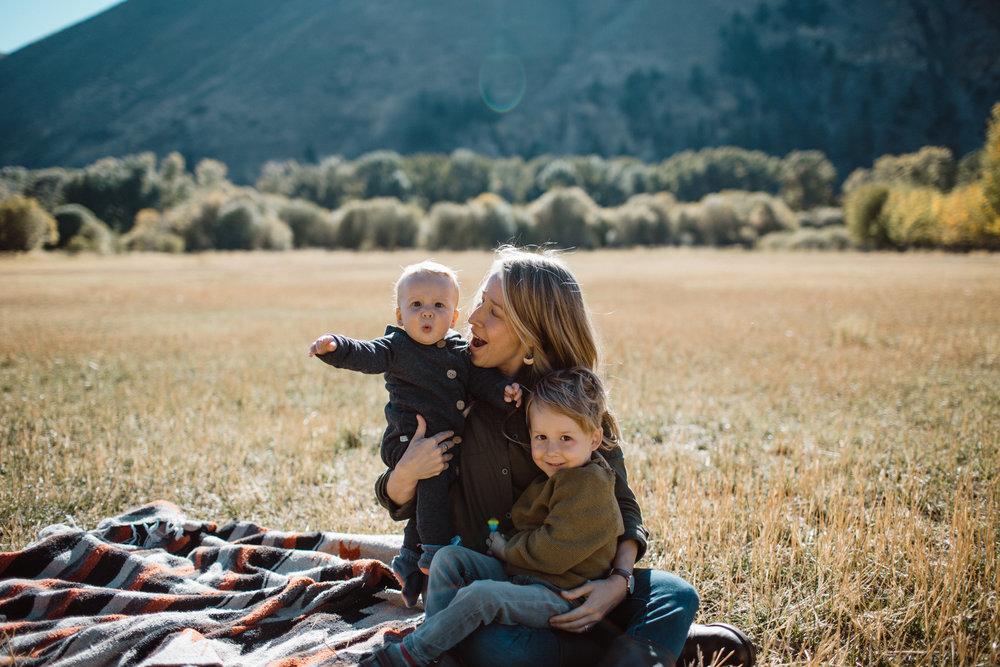 walkerfamily-Sunvalleyfallfamilyphotos-19.jpg
