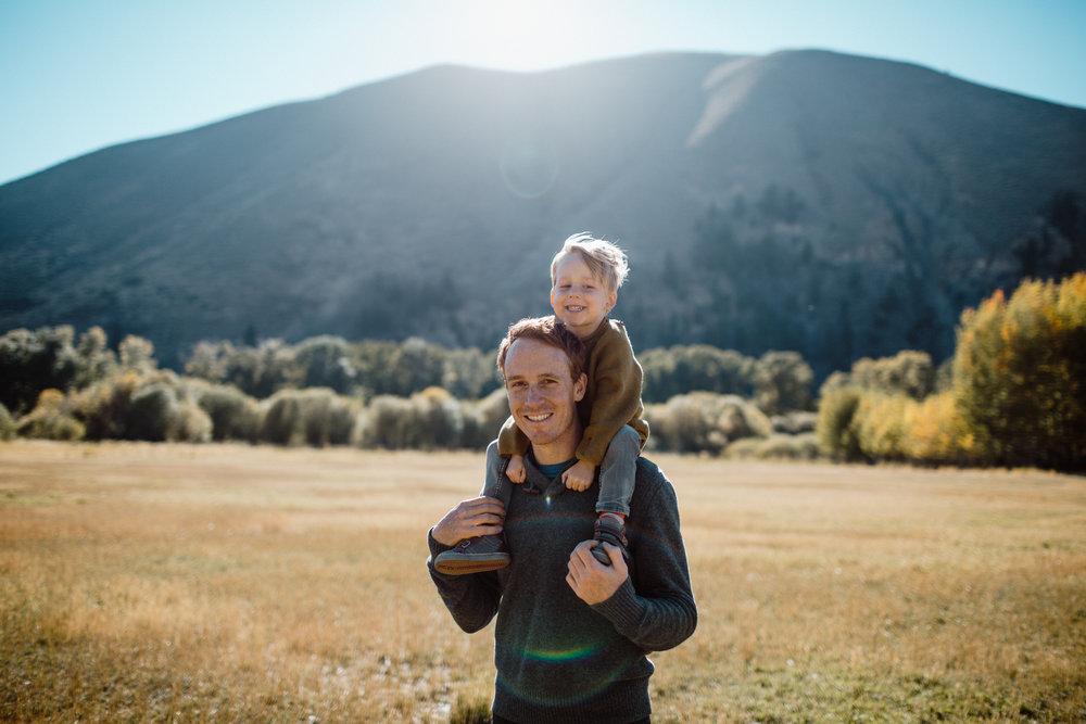 walkerfamily-Sunvalleyfallfamilyphotos-25.jpg