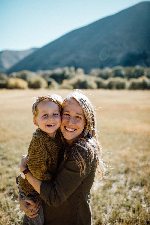 walkerfamily-Sunvalleyfallfamilyphotos-26.jpg