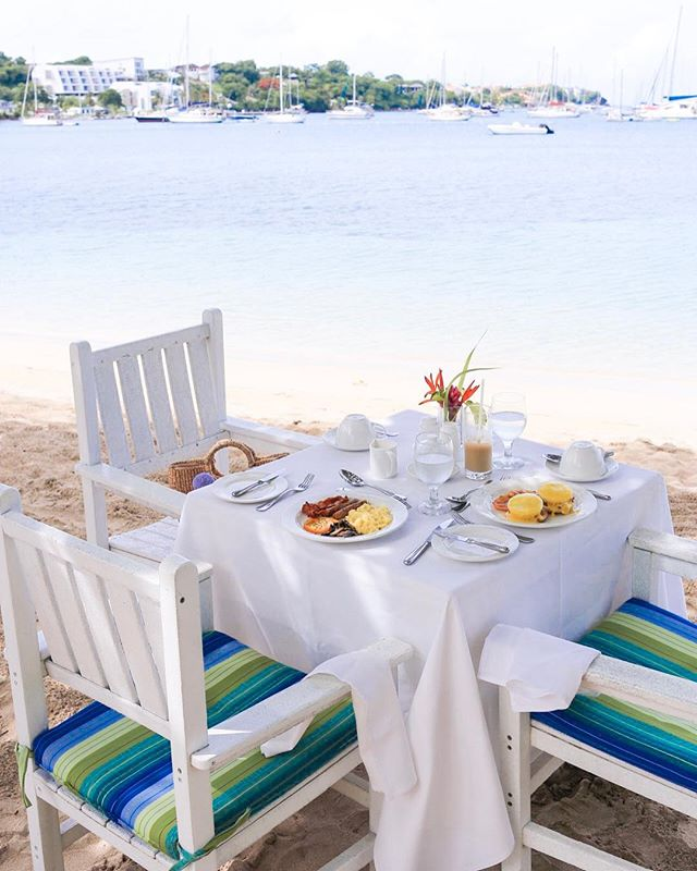 Good morning from @calabashhotel on the beautiful Caribbean island of Grenada. The perfect way to start the day is with breakfast on the beach and your toes in the sand!  #curriecotravels #calabashhotel 📷: Travel Advisor @saraheattaway