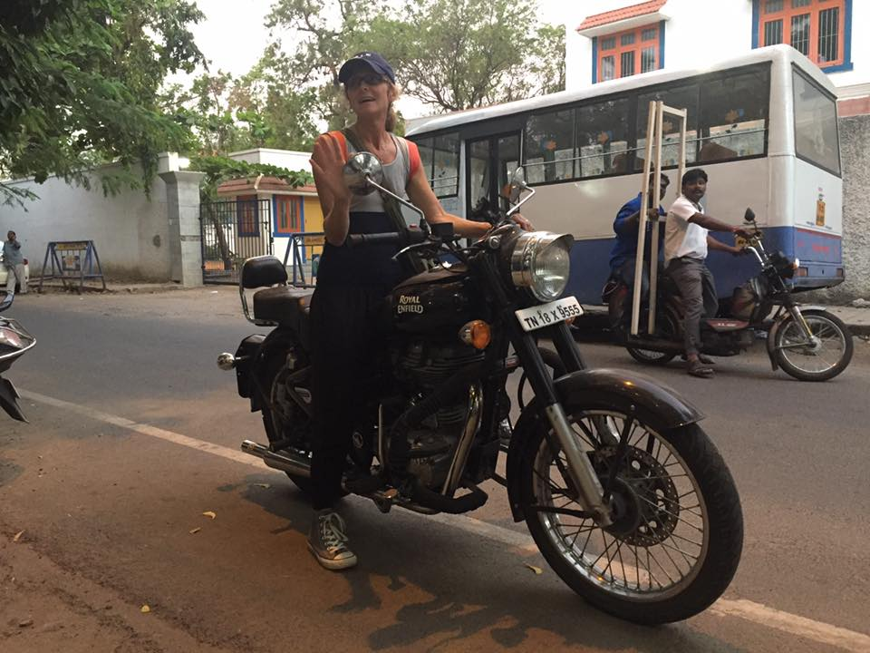 This is my friend Helene from teacher training. She's awesome. She's French and she used to live in Chennai for two years with her husband and 4 children. Now they live in the US. A friend of hers loaned her this big bike to use while she's in town. How cool that she knows how to ride it!    :)