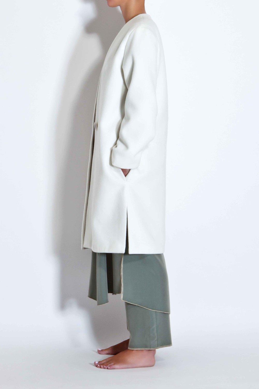 Off-white minimal coat