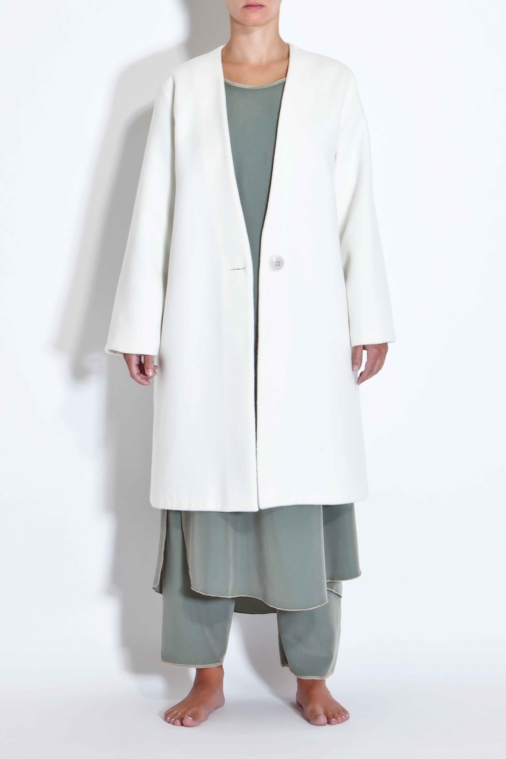 Off-white minimal coat