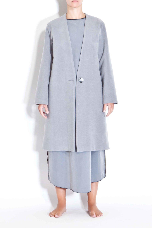 Grey minimal coat