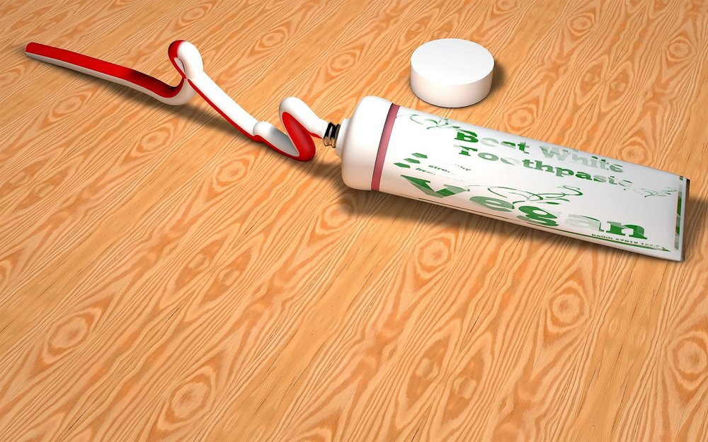 toothpaste-3121211_1920.jpg