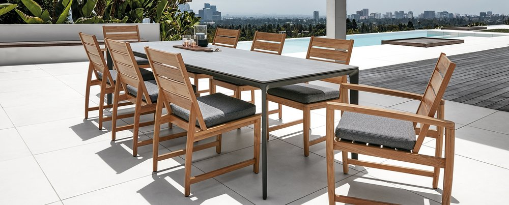 Gloster Ceramic Carver Table + Gloster Oyster Reef Chairs