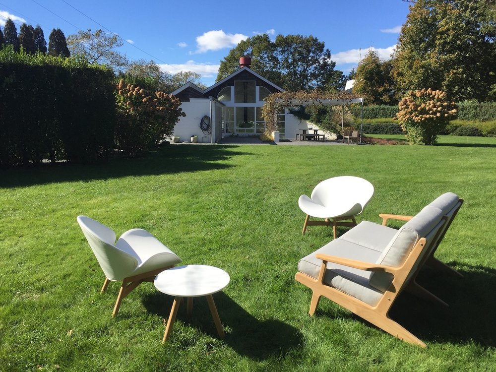 Gloster Dansk Chairs + Gloster Bay 2-Seater Sofa in Sagaponack
