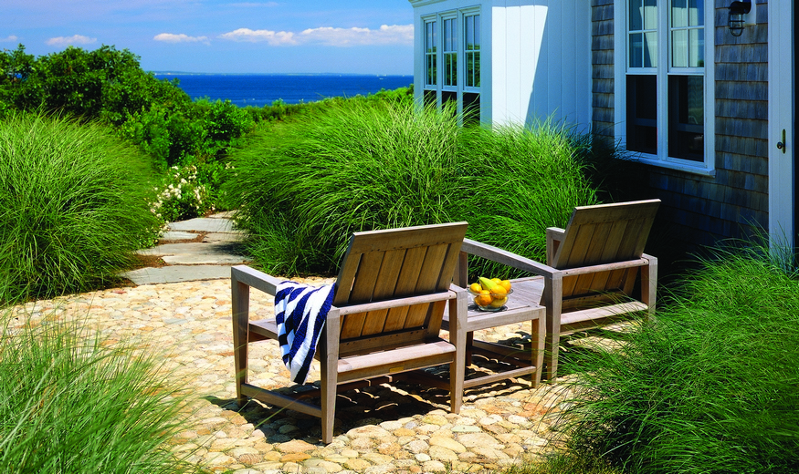 amalfi_loungechairs_lifestyle.jpeg