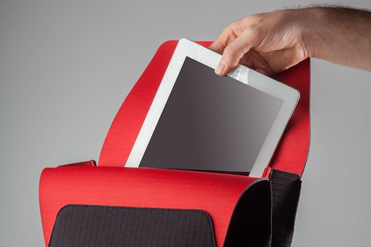 Funciones - Interior amplio para llevar notebooks de hasta 15