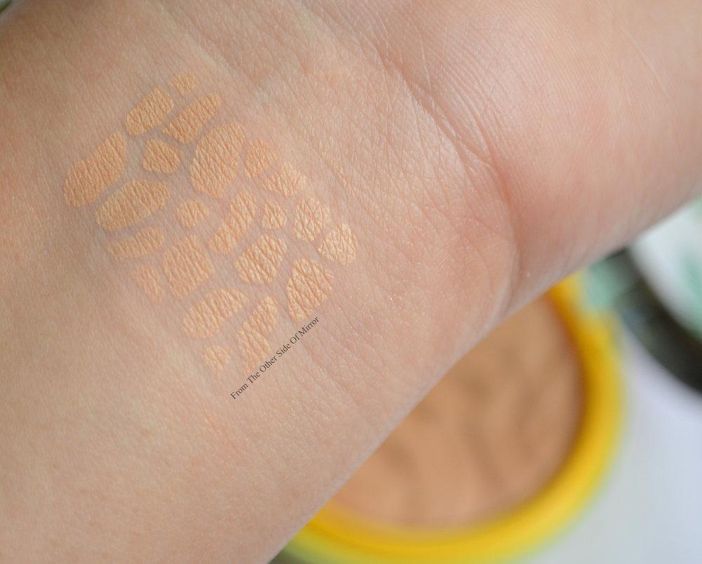 Physicians Formula Butter Bronzer-Light Bronze (Swatch)