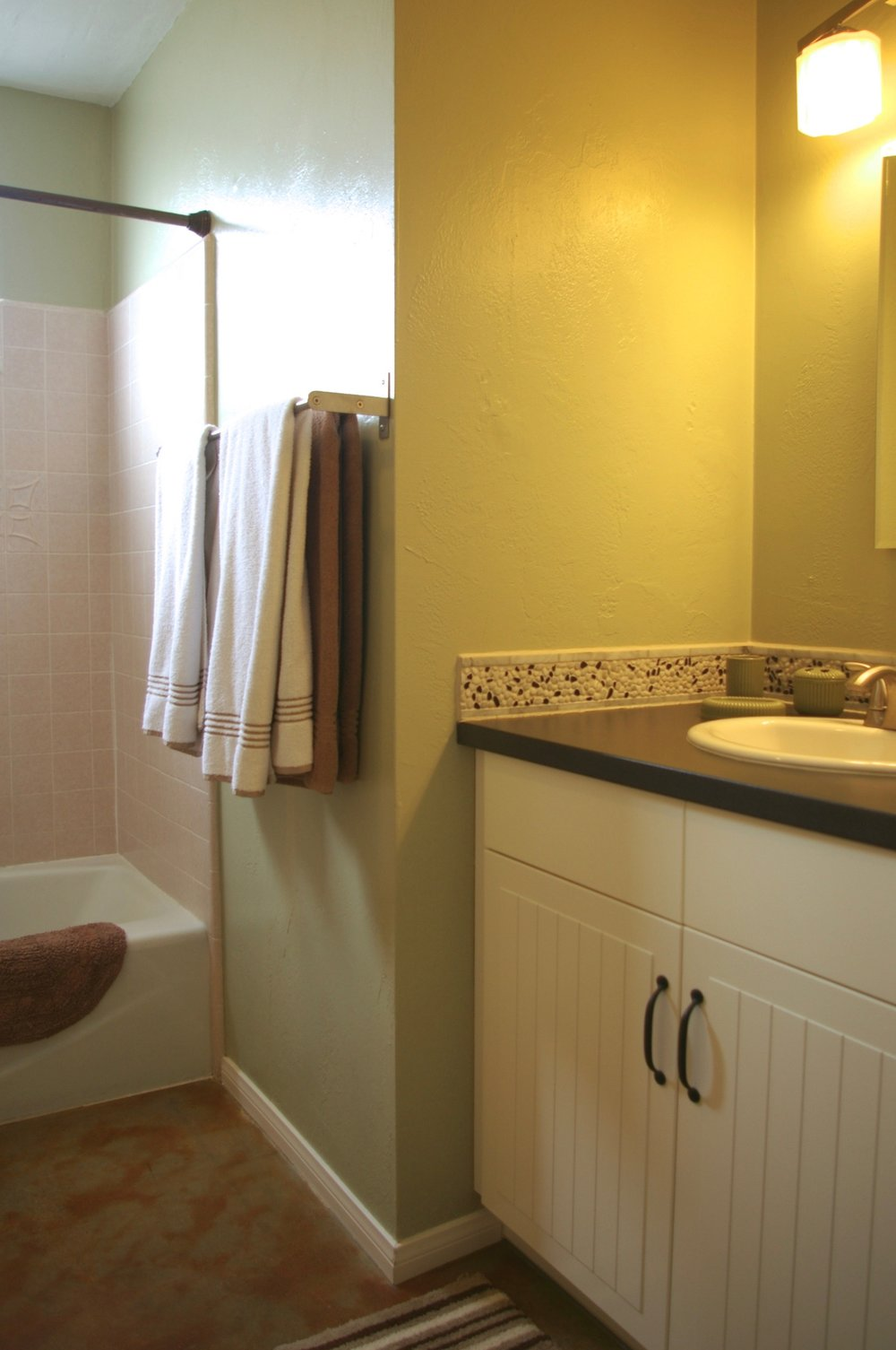 Rent29 Cactus West Bathroom