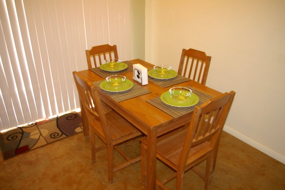Rent29 Cactus West Dining Room
