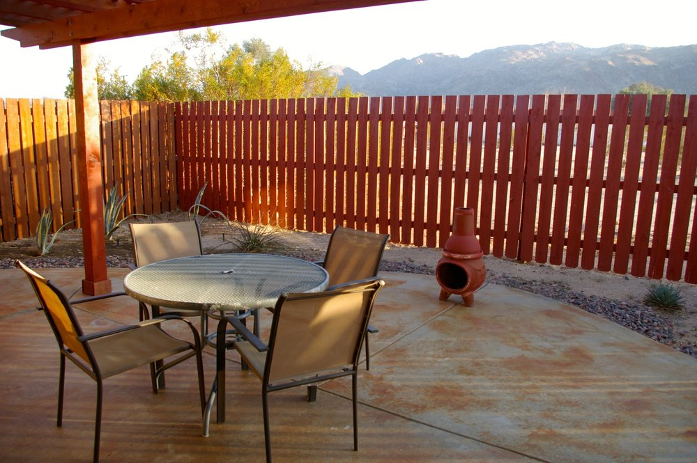 Rent29 Cactus West Patio Table