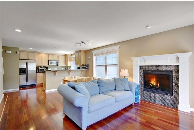 4509 Evanston Ave N #A, Seattle, WA | $370,000