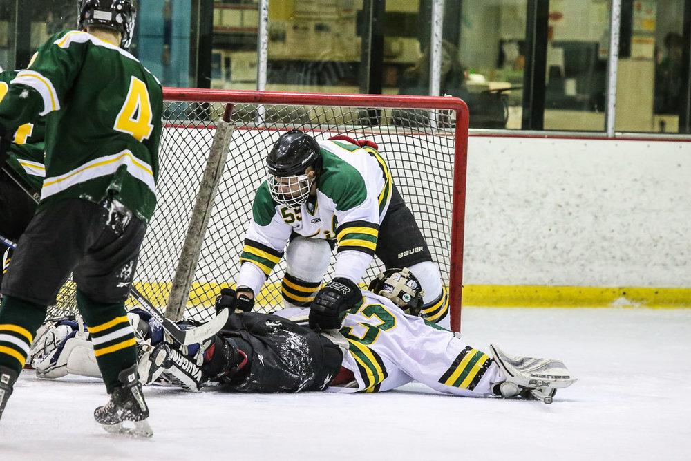 20171110-hockey-game-32.jpg