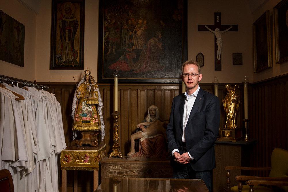 Abbé Francis. 2015