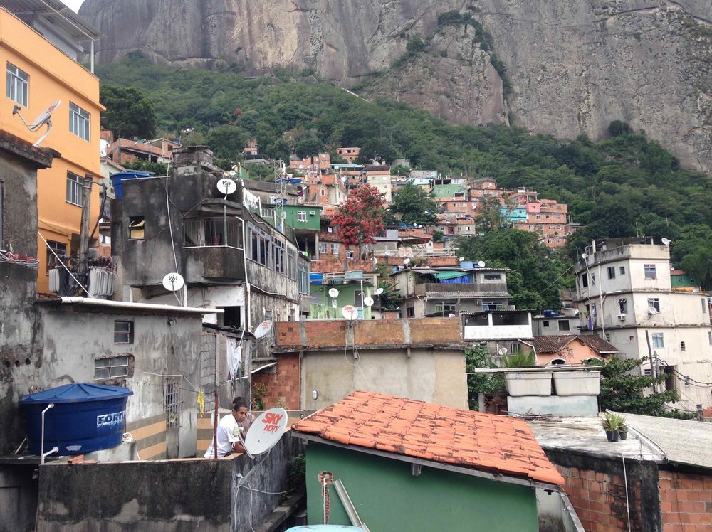 Rocinha favela, looking up