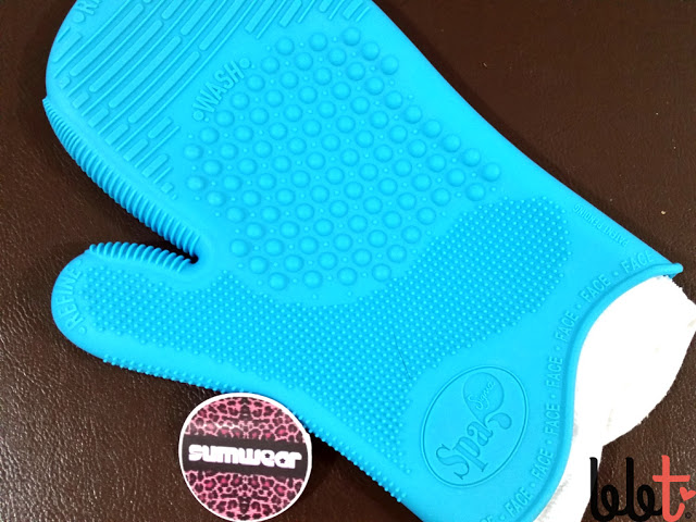 sigma spa brush cleaning glove face side