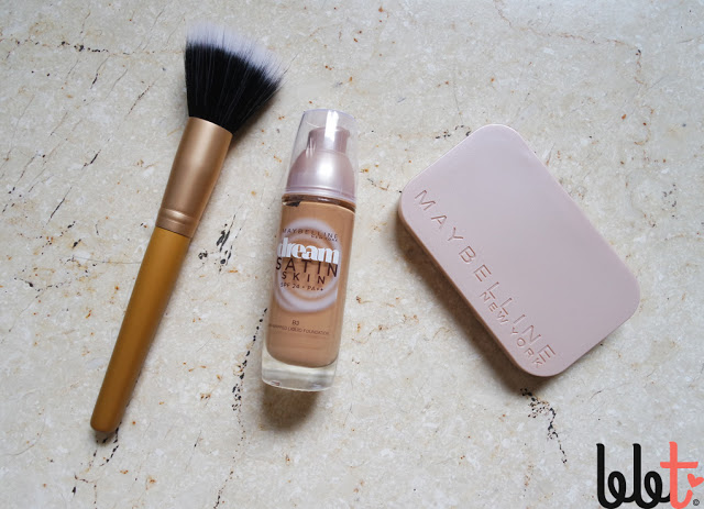 maybelline stippling brush, dream satin skin liquid foundation, dream satin skin two way cake