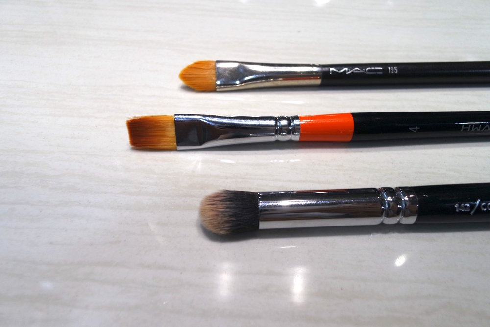 Concealer brush heads: close up