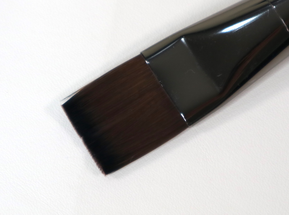 #406 Body Foundation Brush (small)