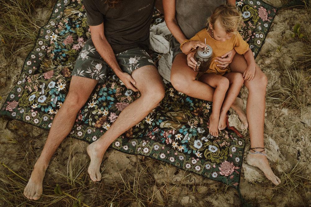 jinti_fell_Beach_Maternity_AlexWarden_Photography37.jpg