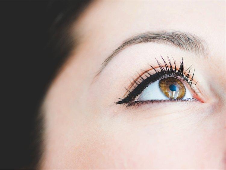 eyeliner services.jpg