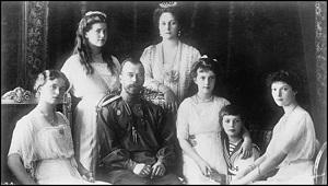Tsar Nicholas II and family.jpg