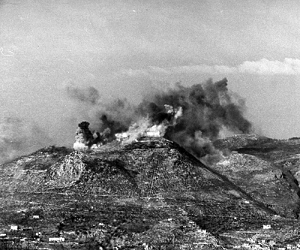 Bombing of Monte Cassino monastery.png