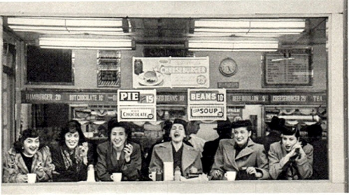 Vintage photo - ladies in diner